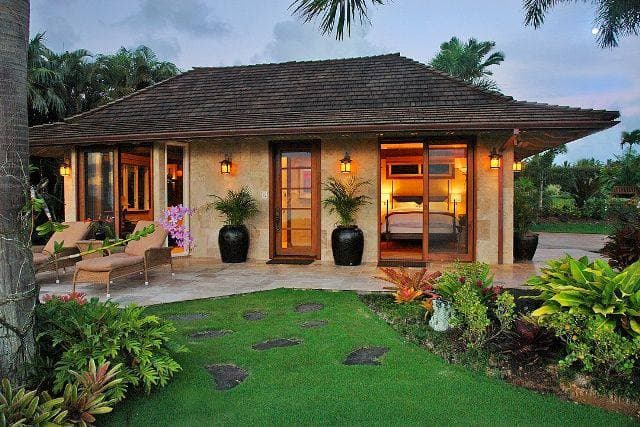 Resort style house for 2 people.